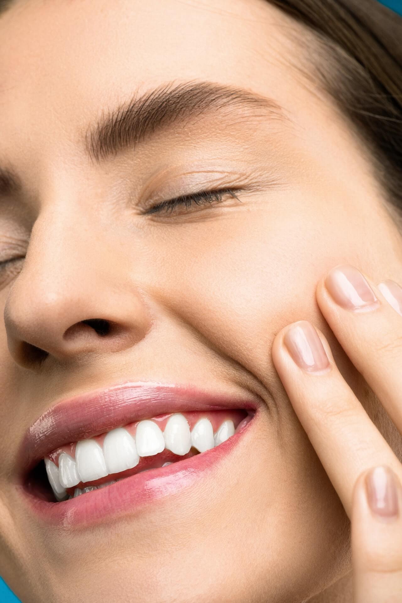 Cómo elegir entre los rellenos labiales y el Botox